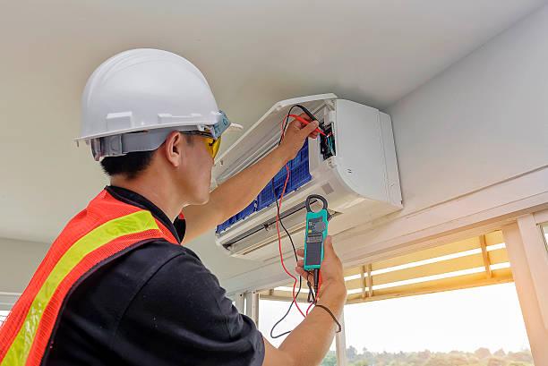 Instalaciones de aire acondicionado, climatización, ventilación, maquinaria y mobiliario para hostelería y protección pasiva contra incendios, en Lanzarote